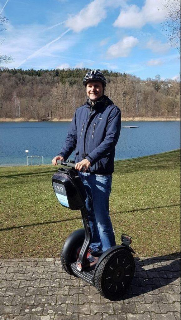 Mit dem Segway an der Donau. Mit dem Segway am See. Mit dem Segway in die Natur. Segway Spaß. Stadtführung