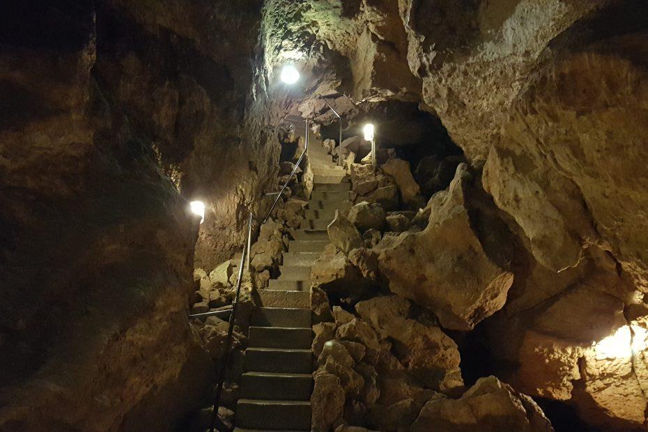 Mitt dem Segway zur Tiefenhöhle, Teambuilding Event, Teamevent, Touristen auf der Schwäbischen Alb. Natur erleben. Das Ausflugsziel um Ulm herum